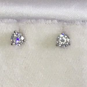 Jewelry - REAL 14KT White Gold Round Diamond Stud Earrings